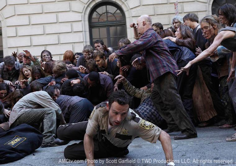 TWD-1-Episode-1-Rick-Horde-760