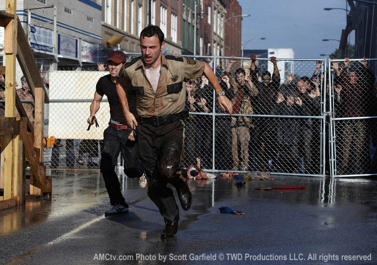 TWD-S1-Episode-2-Glenn-Rick-Walkers-760