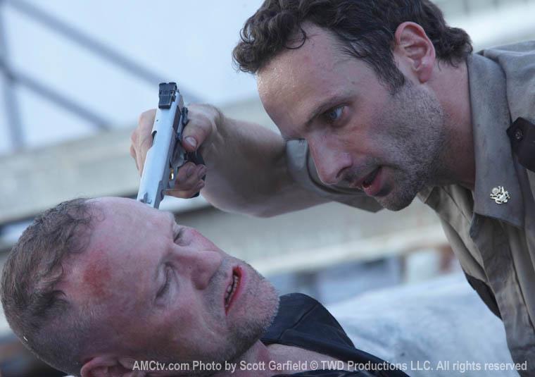 TWD-S1-Episode-2-Merle-Rick-760
