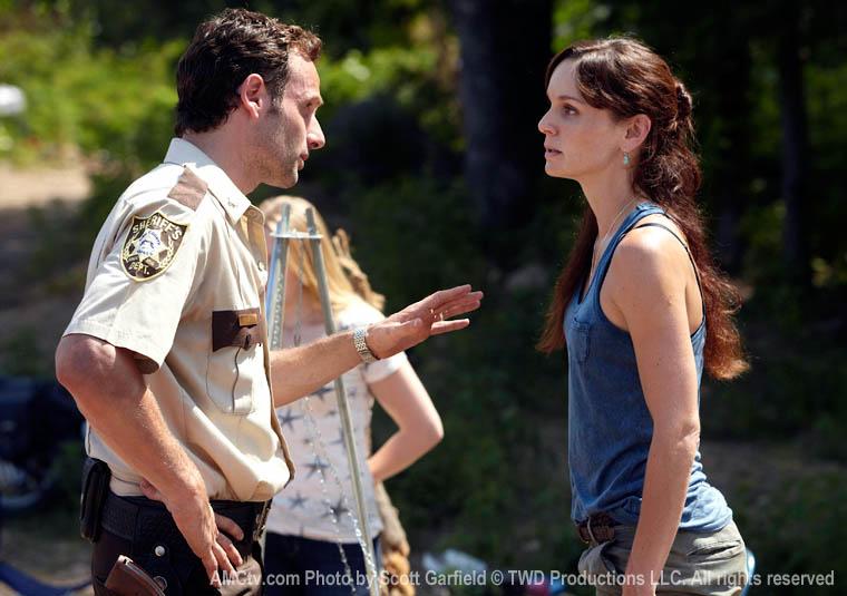 TWD-S1-Episode-3-Rick-Lori-2-760