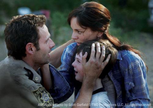 TWD-S1-Episode-3-Rick-Lori-Carl-760
