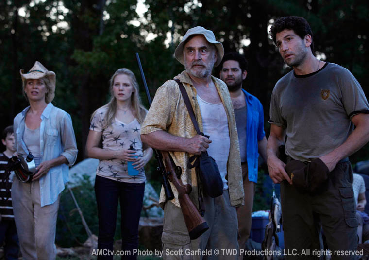 TWD-S1-Episode-4-Camp-Group-760