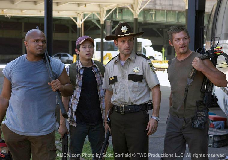 TWD-S1-Episode-4-T-Dog-Glenn-Rick-Daryl-760