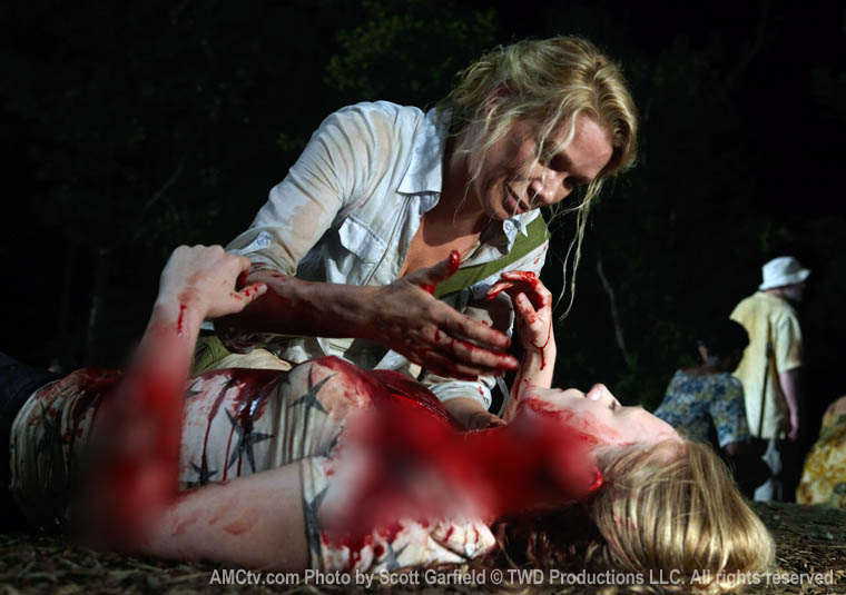 TWD-S1-Episode-4-Andrea-Amy-760